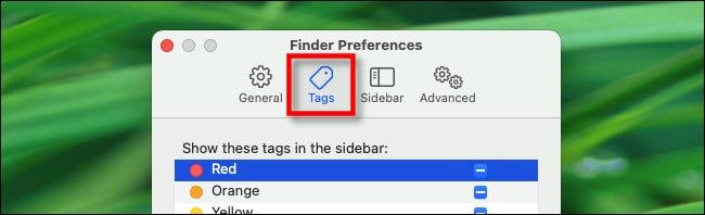 """Klicken Sie in den Finder-Einstellungen auf die Registerkarte """"Tags""""."""