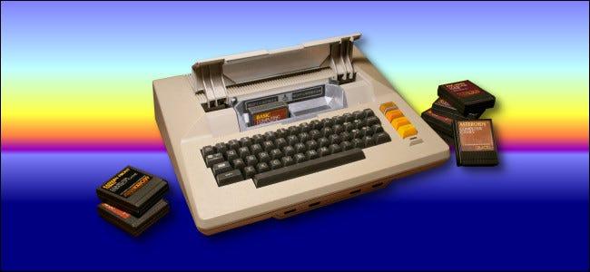 Atari 800 auf einem Sonnenunterganghintergrund von Benj Edwards.