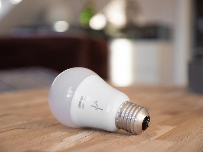 Eine intelligente Glühbirne.