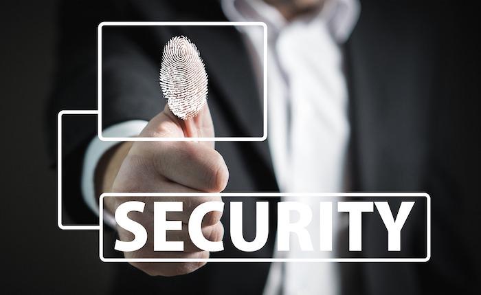 wie-sicherheitsverletzungen-vorkommen-daumenabdruck-biometrie