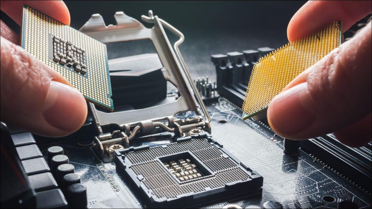 Finger halten AMD- und Intel-Prozessoren