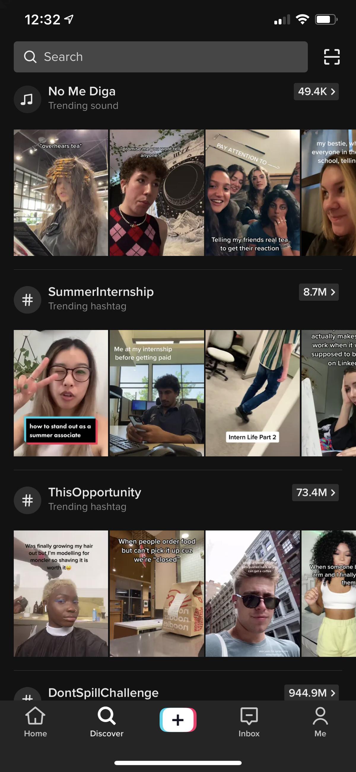 Auf der Discovery-Seite von TikTok können Sie nach Hashtags suchen.