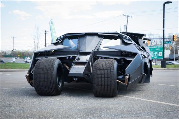 Batmans Batmobile Tumbler-Fahrzeug aus der Dark Knight-Filmreihe